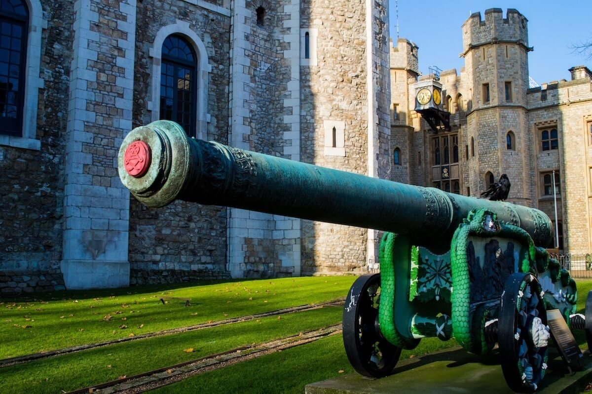 The cannons of the Tower of London