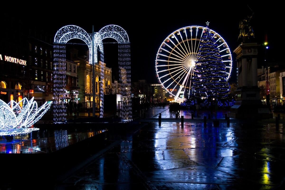 Nightime romance in Clermont-Ferrand, France