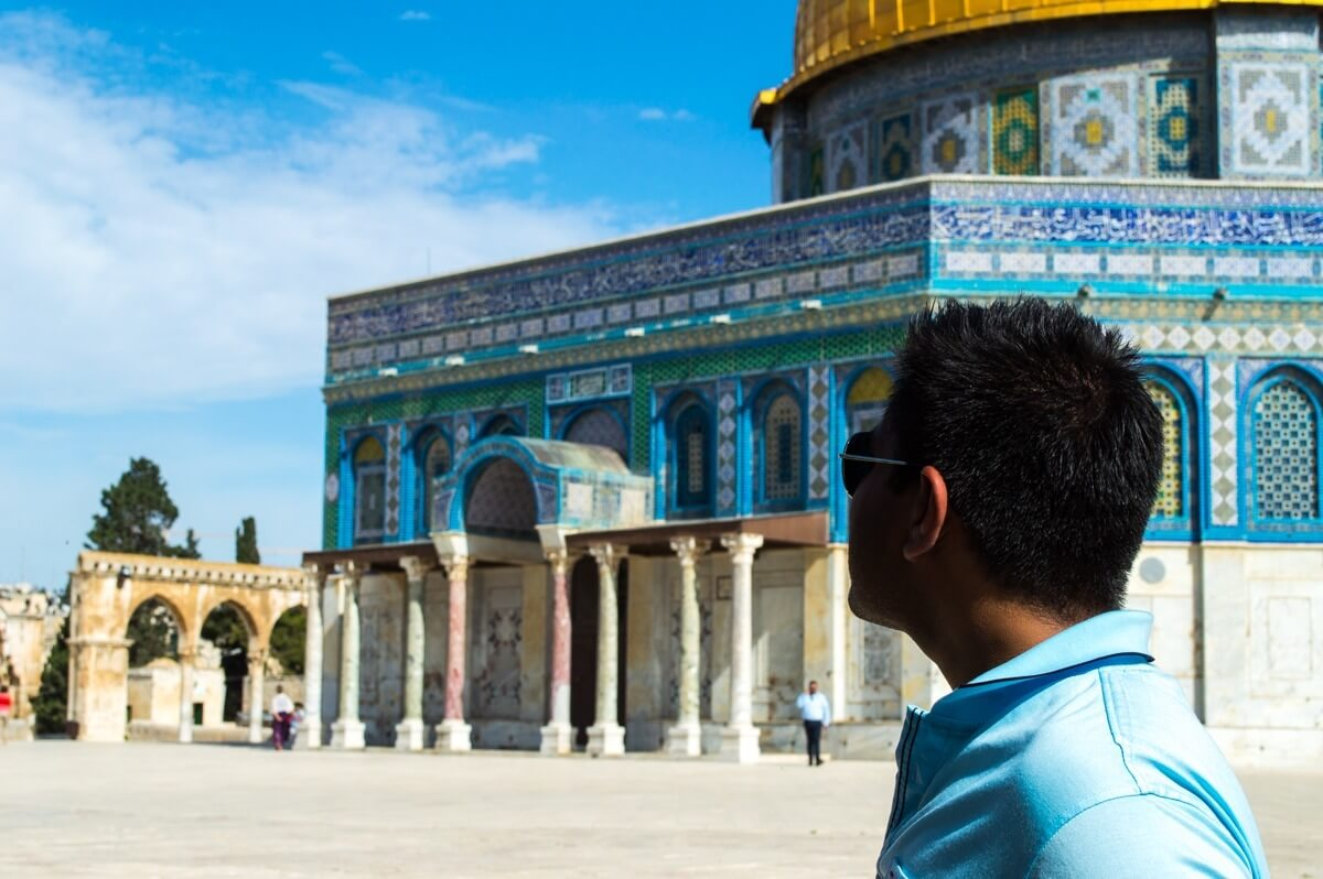 The Man of Wonders visits Israel