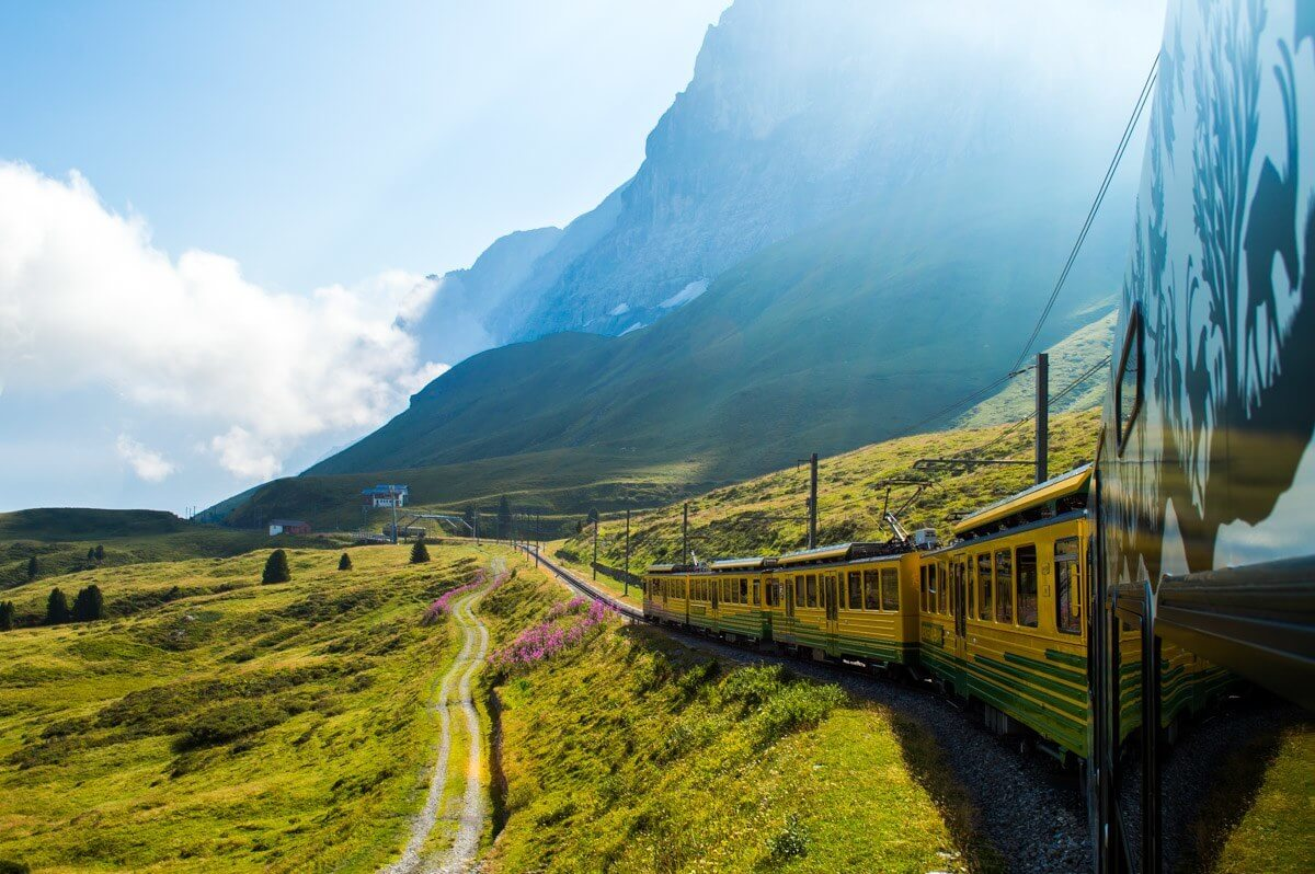 Train-Travel-in-Europe.jpg